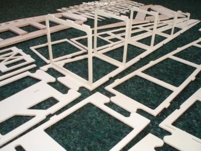 CENTAUR EL - Cvičný RC model