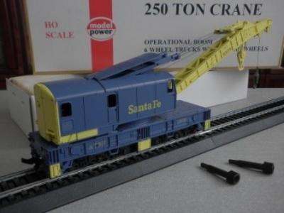 Kolejový jeřáb US železnice vel. HO, výr. Model-Power (USA)