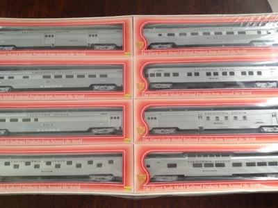 set 8x osobních vozů US železnice vel. HO, výr. IHC (USA)